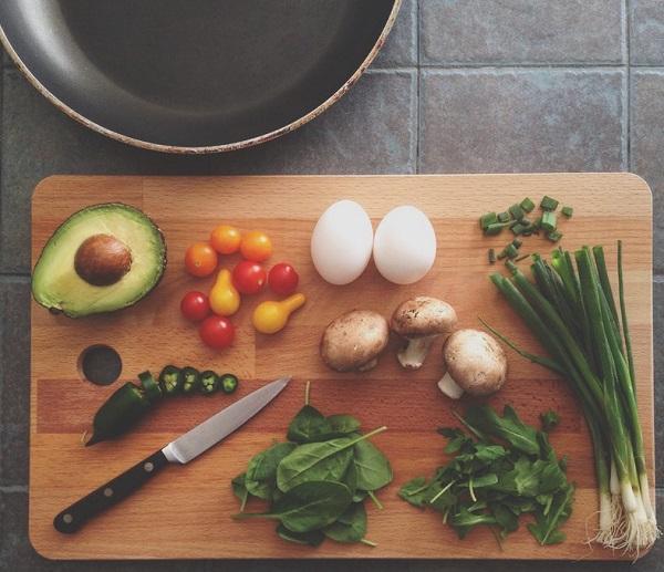 Na co zwrócić uwagę przy projektowaniu kuchni - Kuchnie Pinio przypomina oergonomiczności iprzyjaznym wnętrzu