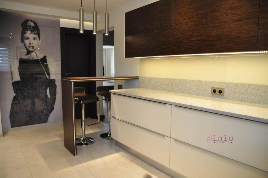 Co zamiast płytek na ścianę w kuchni - Kuchnie Pinio