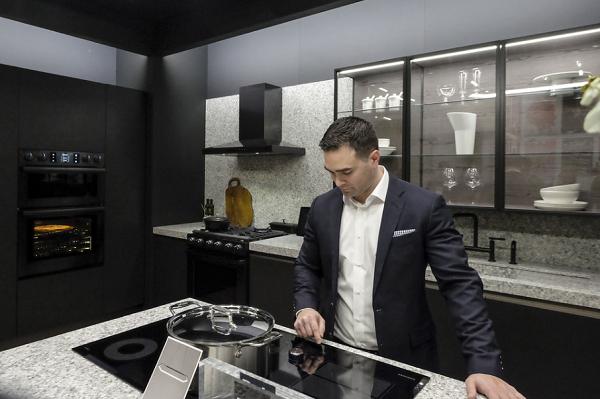 Kuchnie 2019 - trendy wprojektowaniu narok 2019 minimalizm wkuchni odKuchnie Pinio Tychy iSamsung