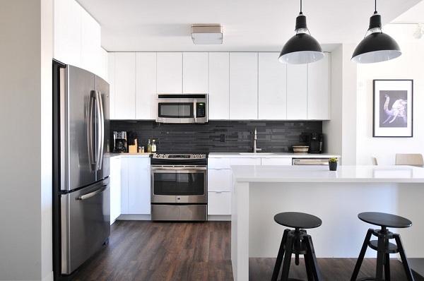 Kuchnia zdwoma wejściami, projekt kuchni zdwoma wejściami, aranżacja kuchni zdwoma wejściami, projekt kuchni, Kuchnie Pinio