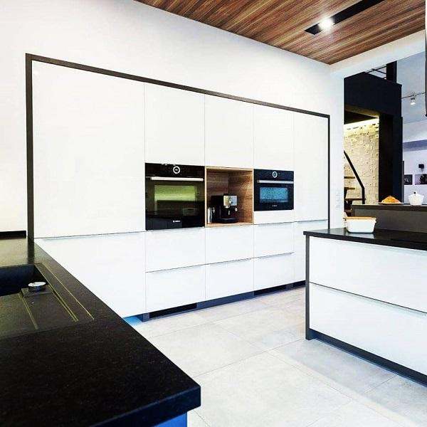 gdzie zamówić projekt kuchni, projektowanie kuchni, firma projektująca kuchnie, biała kuchnia, kuchnia wzabudowie