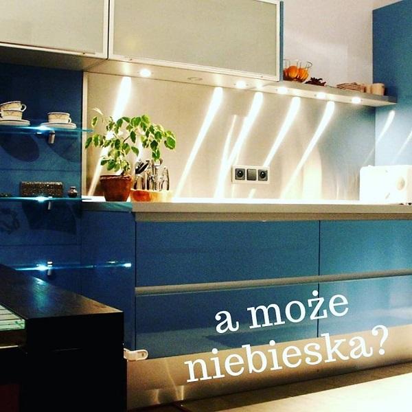 gdzie zamówić projekt kuchni, projektowanie kuchni, firma projektująca kuchnie, niebieska kuchnia, wysuwane szuflady