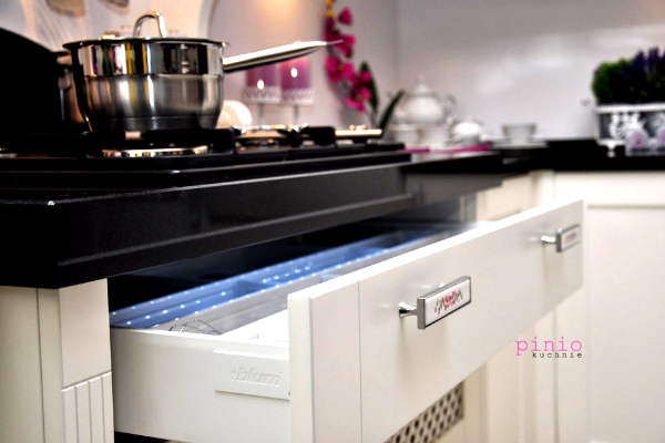 najpiękniejsze kuchnie galeria, najpiękniejsze kuchnie zdjęcia, kuchnia wstylu prowansalskim, projekt kuchni, projektowanie kuchni