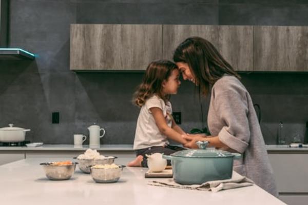 Kuchnie 2020 trendy - kuchnia nawymiar Katowice wwykonaniu studio kuchni Kuchnie Pinio.