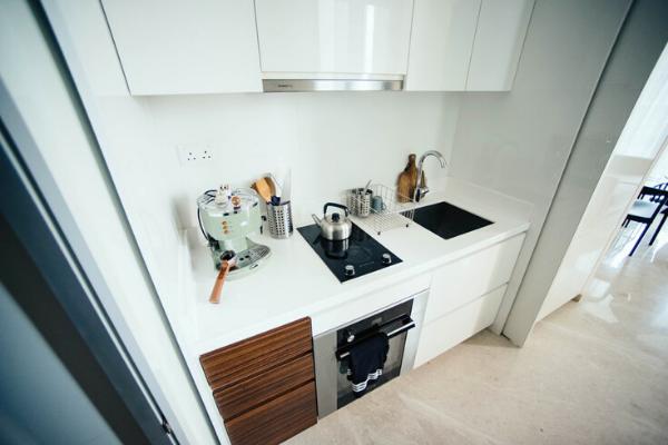 Kuchnia wkorytarzu - kuchnia wewnęce, kuchnia wmałym mieszkaniu.