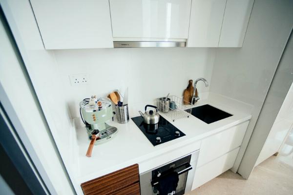 Kuchnia połączona zprzedpokojem - kuchnia wprzedpokoju wewnęce.